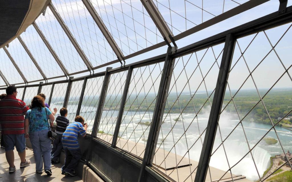 Niagara_Falls_-_ON_-_Skylon_Tower_(Aussichtsdeck)